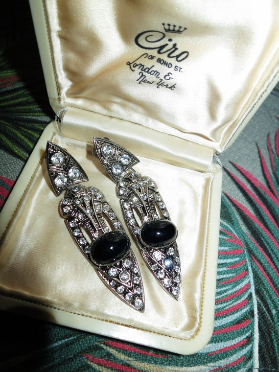 Glamour vintage silvertone Deco styled rhinestone clip on earrings