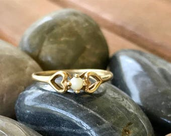 Vintage 10K Gold Pearl Delicate Ring, Womens Petite Ring, Stacking Ring, Gold Heart Ring, Size 5