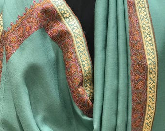 Pure Pashmina Shawl/Wrap with Hand Sozni and Zari Embroidery Fusion, Pure Cashmere Shawl, Sozni and Zari Hand Embroidery, Kashmiri Scarf