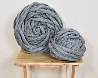Felted giant yarn,chunky yarn, 100% merino wool yarn 1 kg. Perfect for rugs, blankets, pet beds, weaving and much more. Washable.