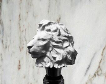 Lion Bottle Stopper, White