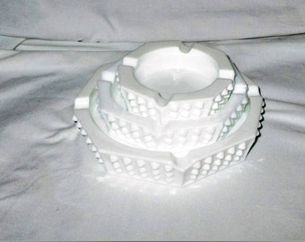 Vintage Fenton Octagon Nesting Hobnail Milk Glass Ashtrays....Set 3