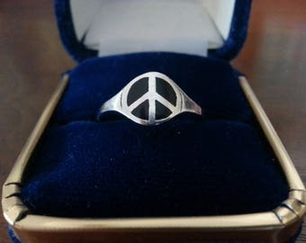 Vintage Sterling Silver and Black Onyx Peace Sign Ring - Size 8 1/4