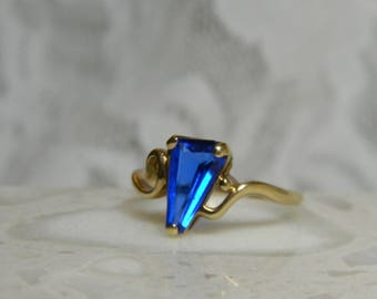 Modernist Fancy Cut Blue Synthetic Spinel Ring 10K Yellow Gold - Fancy Cut Blue Spinel Ring 10K Gold Modern