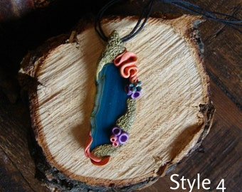Tide Pool Agate Pendant with natural agate slice