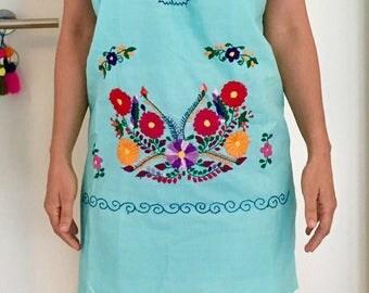 Mexican hand embroidered / Mexikanische gestickte Kleid