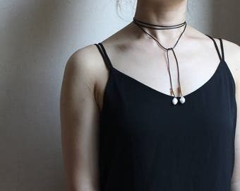 Wrap choker with freshwater pearl
