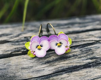 Pansy earrings, Light purple pansy flower earrings, Pansy jewelry, Floral earrings, Nature floral style, Polymer Clay flower