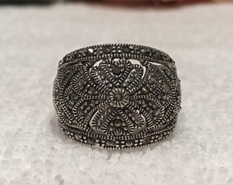 Wonderful Quality Vintage Sterling Silver and MARCASITE Ring-Beautiful DOMED Design-WIDE Cigar Band-Simple & Stylish-Uk Size O-Us Size 7