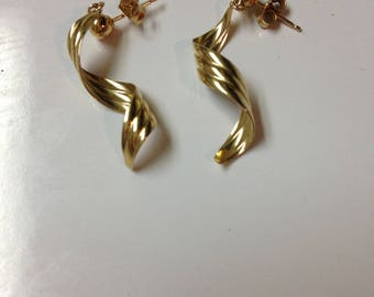 14kt Gold Spiral Earrings