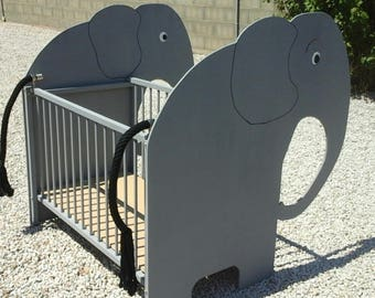 Baby Elephant adjustable wooden bed has two heights made in France