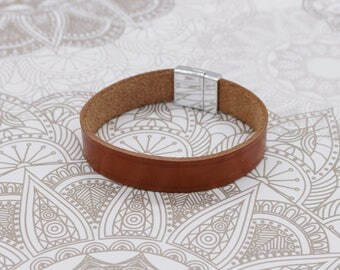 Leather bracelet with magnet clasp/Unisex/gift/man/gift/woman