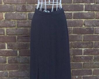1980's Parigi Black pleated skirt size 8
