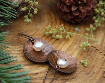 Rustic Pearl Earrings, Hammered Copper Earrings, Disc Earrings, Pearl Earring, Rustic Jewelry, Freshwater Pearl, Copper Jewelry, Boho, Gypsy