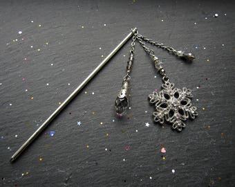 Queen of the Frozen Land Hair Stick, Bun Accessory, Snow Flakes Hair Stick, Snow Flakes hair accessory, Hair sticks, Hair Jewellery