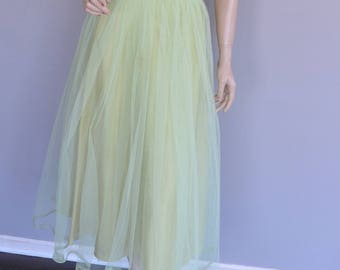 Gorgeous 1950's Party Dress Green Tulle Lace Sheer Back Illusion Sweetheart