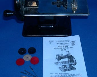Vintage SingerToy Sewing Machine Needles, Instructions and Spool Felts - Singer 20-10 Rectangular Base