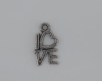 LOVE Charm Heart Locket charm in silver tone metal. Top 1.5 cm and 1 cm wide. DIY. Love. Love. Valentine's day.