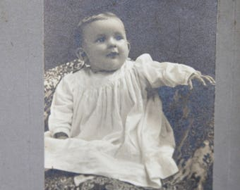 Baby Antique Cabinet Card Photo. 1900s Collectible Photo, Scrapbooking, Art, Antique Collection, Antique Photo, Victorian