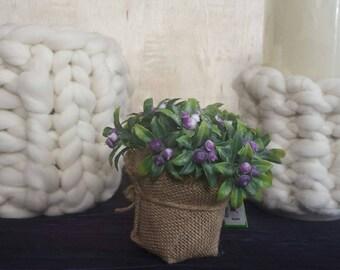 Flower pot of flowers in XXL thick wool fiber