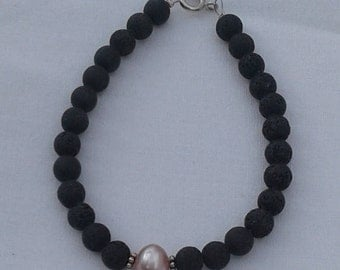 vintage style, pearl and lava braselet