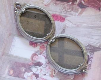 Shabby Chic double photo frame - Tin - Vintage