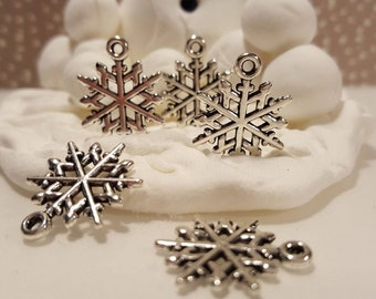 Antiqued Silver Snowflake (2)