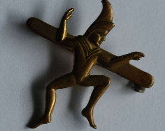 Vintage Dancing Jester Gold Tone Pin