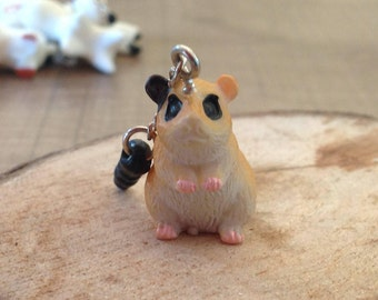 "Cache Jack ""hamster/Guinea pig"" for cell phone or Tablet"