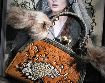 Game of thrones Mini clutch bag lined leather tooled embroidered beads and gold luxury Loup Lady of Winterfell Sansa Stark