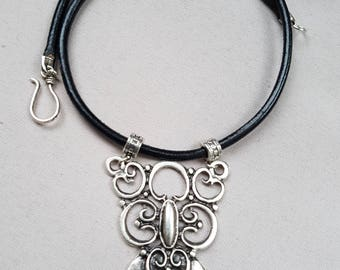 Necklace plastron handmade silver and leather