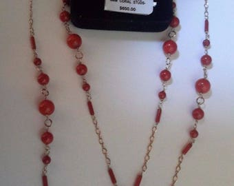 Yellow Gold and Coral Jewelry Set (Necklace and Earrings)