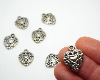 Small Ornate Heart Charm 19 x 14mm, Silver Coloured