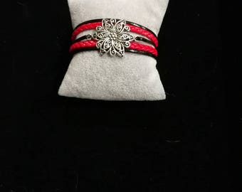 MULTISTRAND red and black leather bracelet