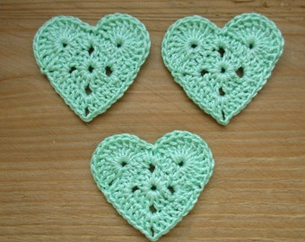 Green set of 3 hearts of water to the hook height 3.5 cm