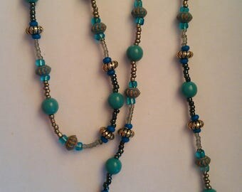 Turquoise and Silver Colored Pattern Necklace