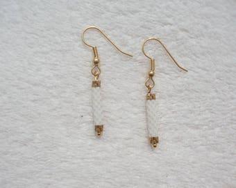 boucles d'oreilles tubes, boucles miyuki, boucles d'oreilles miyuki, earrings miyuki, boucles d'oreille perle, boucles blanches et dorés