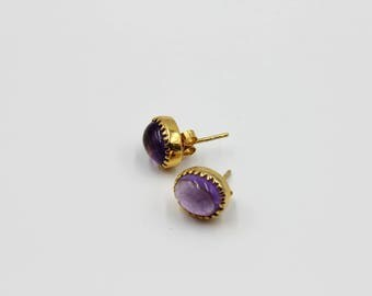Minimalist Cabochon Stud Earrings Made from Amethyst