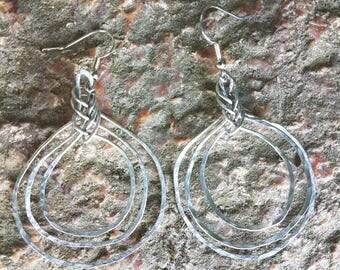 Celtic knot circles