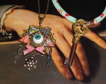 The seventh House (duo of necklaces)