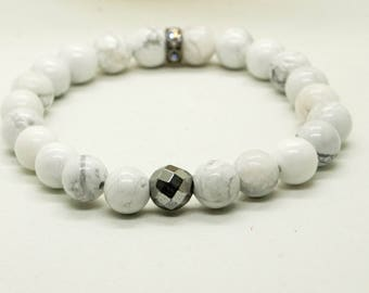 howlite bracelet- women's bracelet- stretch bracelet- beaded bracelet
