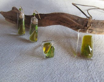 Adornment iridescent neck bronze-green glass pendant necklace, matching earrings and ring