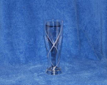 Beer glass with stripes