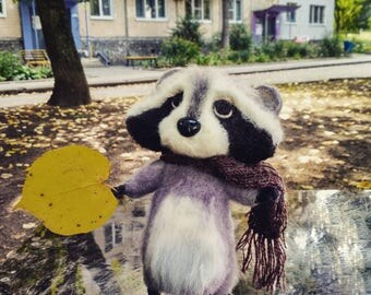 raccoon, woolen raccoon, felted toy, handmade, woolentoy, felted raccoon, raccoon of wool, raccoon toys, needle felting animals