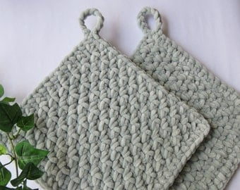 Crochet pot holders, color grey green (set of 2 pieces)