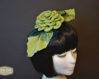 Fascinator Pistachio color, Unique, haaraccessoires, hair accessories handmade in Belgium