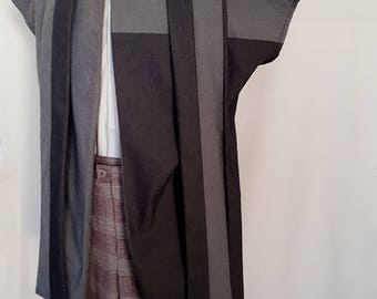 Sleveless light weight Coat with decorative scarf/tie