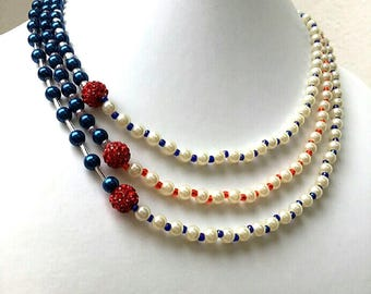 Necklace three strands of beads for all occasions
