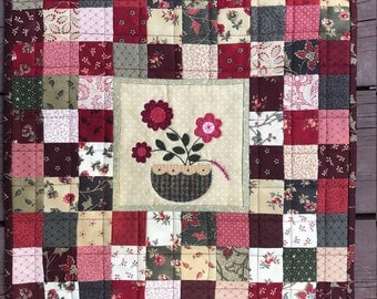 kit; Patchwork and Petals, beautiful little wall hanging, fun to make
