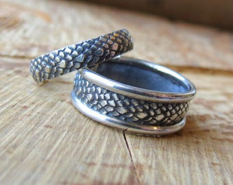 Dragon Scales Matching Wedding Bands Mother of Dragons Wedding Rings Dragon Skin Rings Lizard Scale Rings Snake skin rings His and Hers